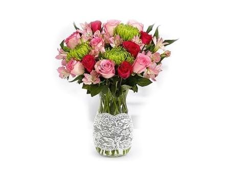 EXQUISITE- Classic Flower Bunch in Glass Vase